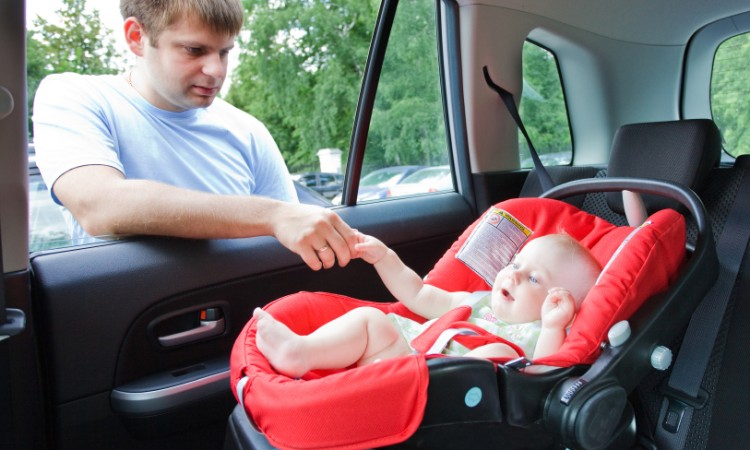 baby in car